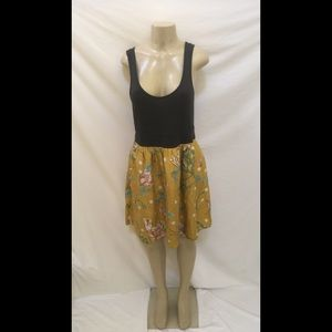 Maeve Size L Gray Top With Gold Floral Skirt Dress